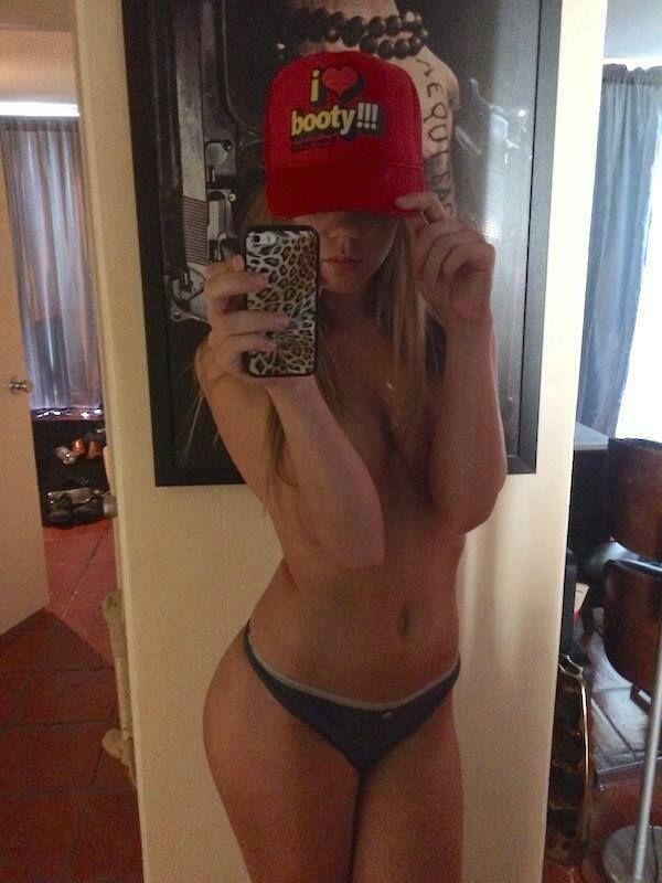Nacktes Sexchat Girl direkt beim Cam2Cam Chat steht auf fotze wichsen